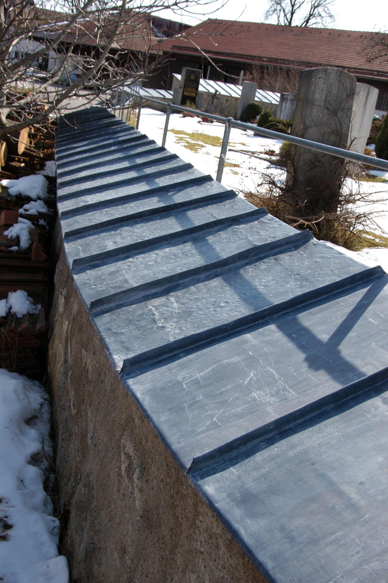 Friedhofsmauer Walzblei Großdingharting